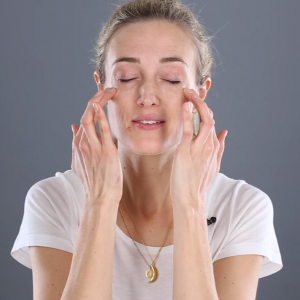 Love your Skin: Facial Massage Tutorial with Arabella