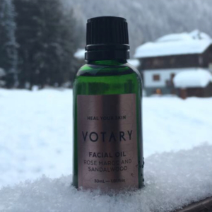 Rose Maroc and Sandalwood facial oil heals and soothes your face on cold days